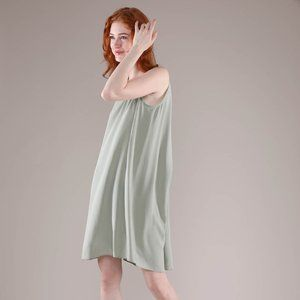 Grana Silk Round Neck Dipped Hem Dress Green Sz M